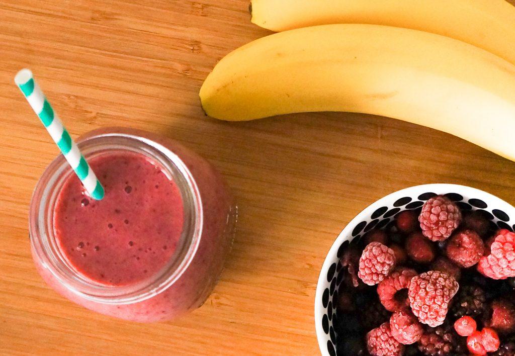 smoothie banane fruits rouges pal o r gime. Black Bedroom Furniture Sets. Home Design Ideas