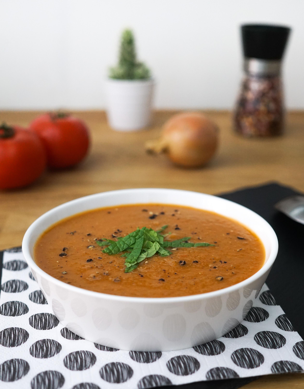 soupe la tomate et au basilic pal o r gime. Black Bedroom Furniture Sets. Home Design Ideas