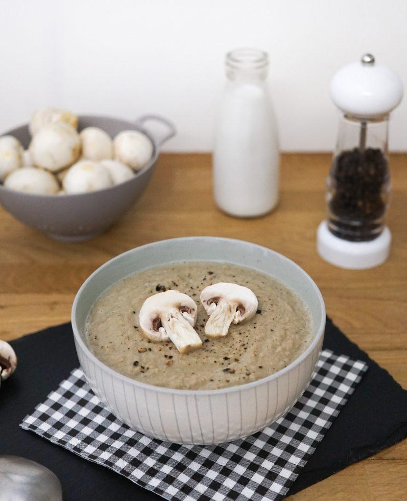 soupe aux champignons de paris pal o r gime. Black Bedroom Furniture Sets. Home Design Ideas