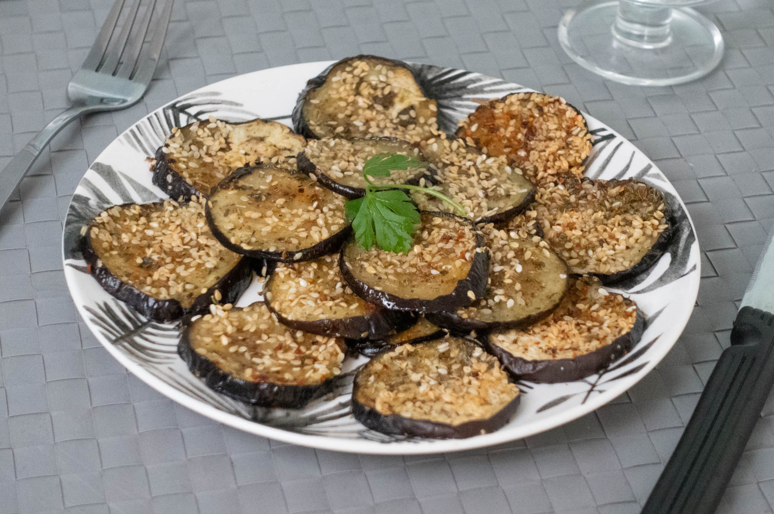 Aubergines Grillées aux Graines de Sésame